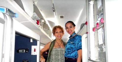 ensoleillé le sourire de l'hôtesse de l'ATR d'Air Austral cet aprèm