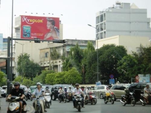 Circulation anarchique époustouflante à Saïgon et partout en Asie