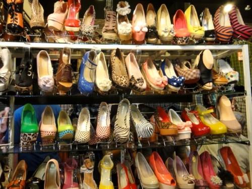 Des shoes aux talons vertigineux, à pois, léopard, rayées,zébrées, à carreaux, bicolores...