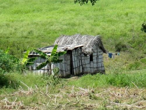 Petite case sur la route Santiago Guantanamo