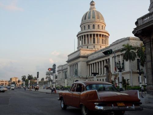 Couleur chocolat devant le Capitole de la Havane