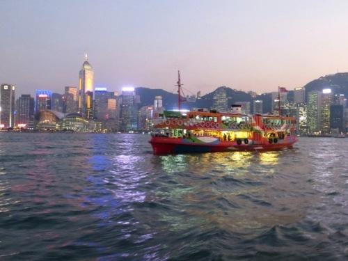 Bye Hong Kong vue du ferry, hier soir