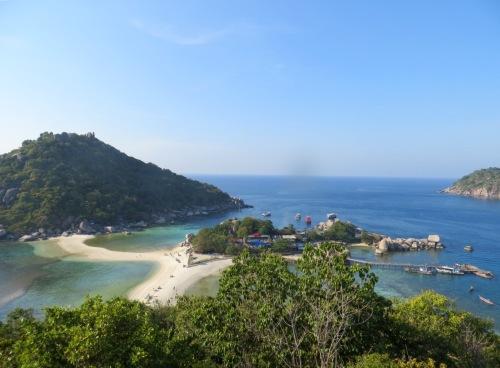 2 îlots de Nuang Yuan reliès par un banc de sable et  Koh Tao en face