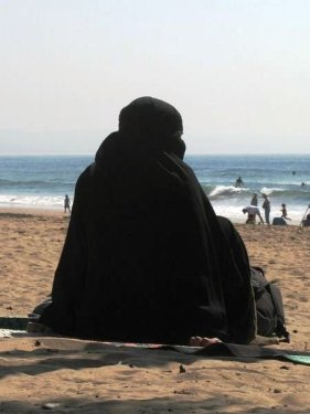 -Burqa-Beach-Babes-sur le Web!